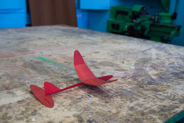 Самолет Самолёт из потолочной плитки своими руками